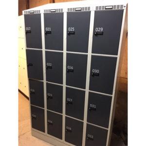 Garderobeboks med 16 rum og indbygget lås