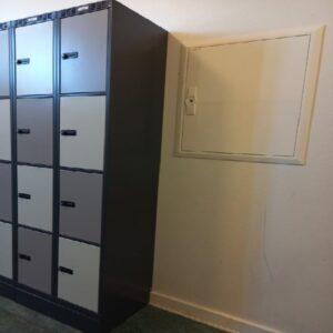 Garderobeboks med 8 rum